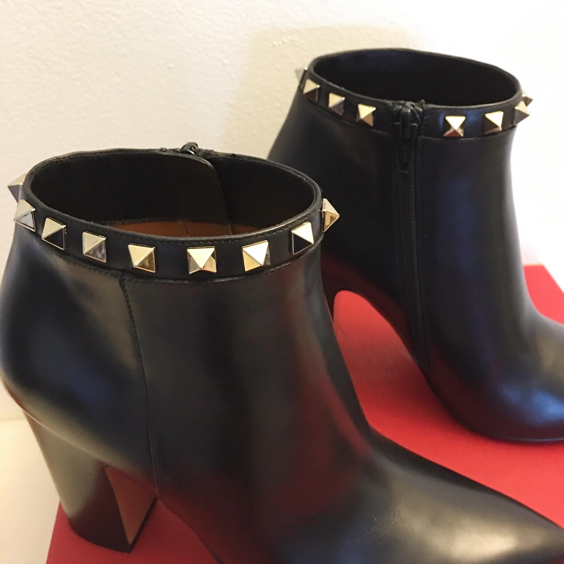 088f8e2deff17 ... Valentino Black (Nero) Rockstud Leather Ankle Boots Booties Size US 5.5  5.5 5.5 ...