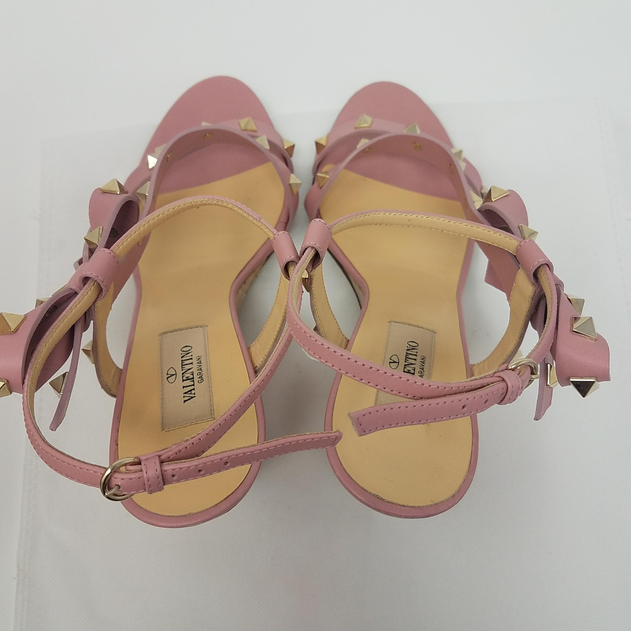 23a6e8592d30 Valentino Pink Gold Leather Rockstud Strappy Sandals Wedges Wedges Wedges  Size EU 40 (Approx.
