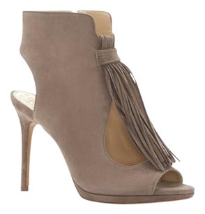 Vince Camuto Abigalla Tassels STONE TAUPE KIDSUEDE Boots
