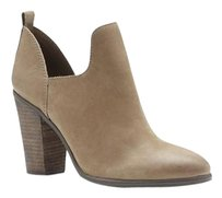 Vince Camuto Federa Cutout EARTHLINE RUGGED COW Boots