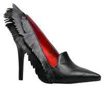 YRU Black Pumps